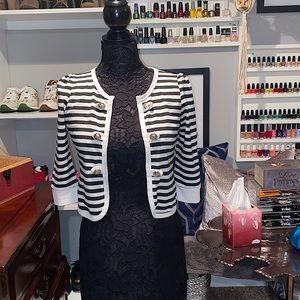 Quarter sleeve cropped striped button up blazer